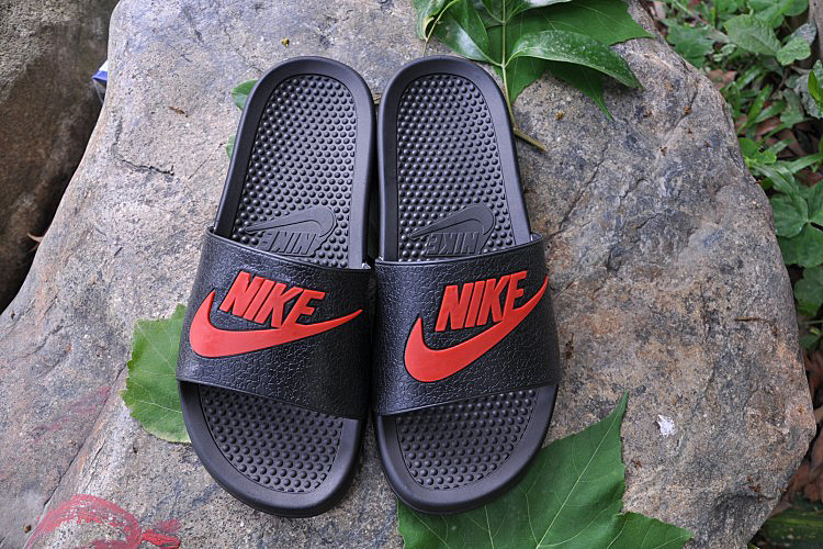 2015 Nike Sandal Black Red