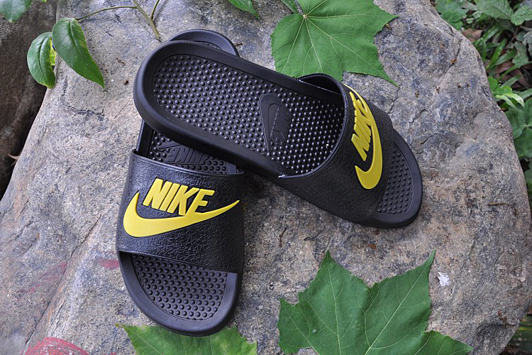 2015 Nike Sandal Black Yellow