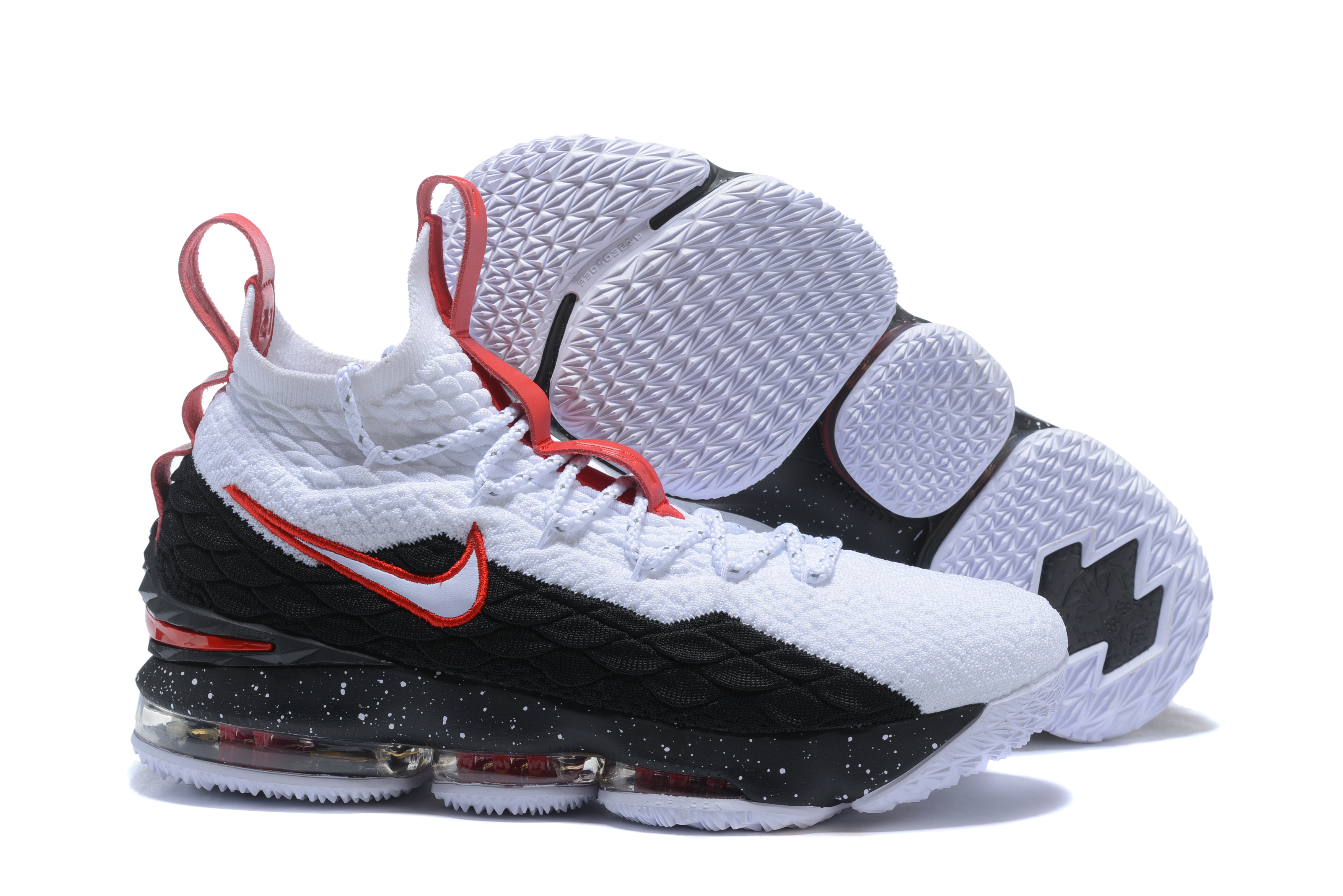 outlet store 11351 09c61 LeBron James 15 Shoes Contain Many Trendy Design