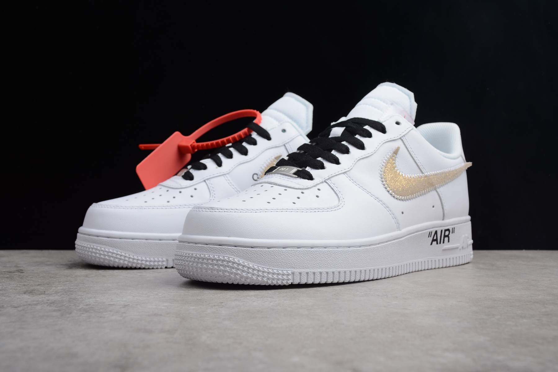 2018 OFF WHITE x Nike Air Force 1 Low White Black Gold