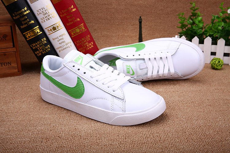 Men Nike Tennis Classic KOREA White Green