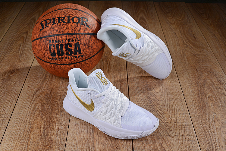 Nike Kyrie 4 Low White Gold
