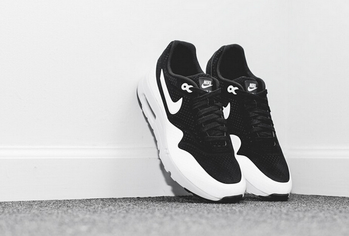 Nike Air Max 1 Ultra Moire Black White Shoes