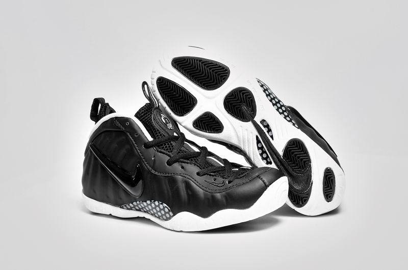 Women Nike Air Foamposite One Black White Shoes