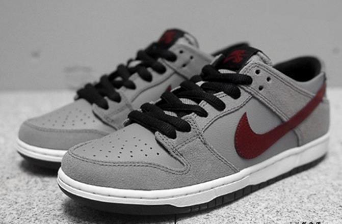 Women Nike SB Dunk IW Low Grey Wine Red Black Shoes